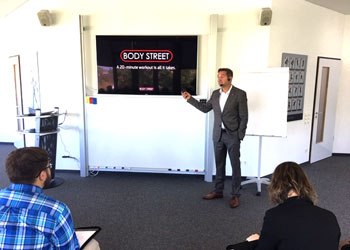 Bodystreet CEO Matthias Lehner taught students about his business and how he handles relationships with franchisees and consumers. The 280 fitness franchises combine personal training with electro muscle stimulation.