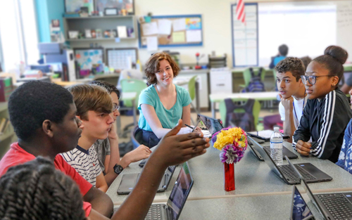 Kimberly LittleJohn Hammaker hosts her students in a Socratic-style exchange like the ones she participated in as a student in the Supper Honors Program.